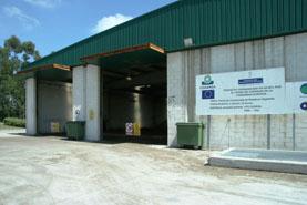 Imagen de la entrada a la nave de fermentación