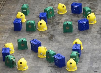Foto contenedores recogida selectiva en el Festival Arte y Reciclaje 2008