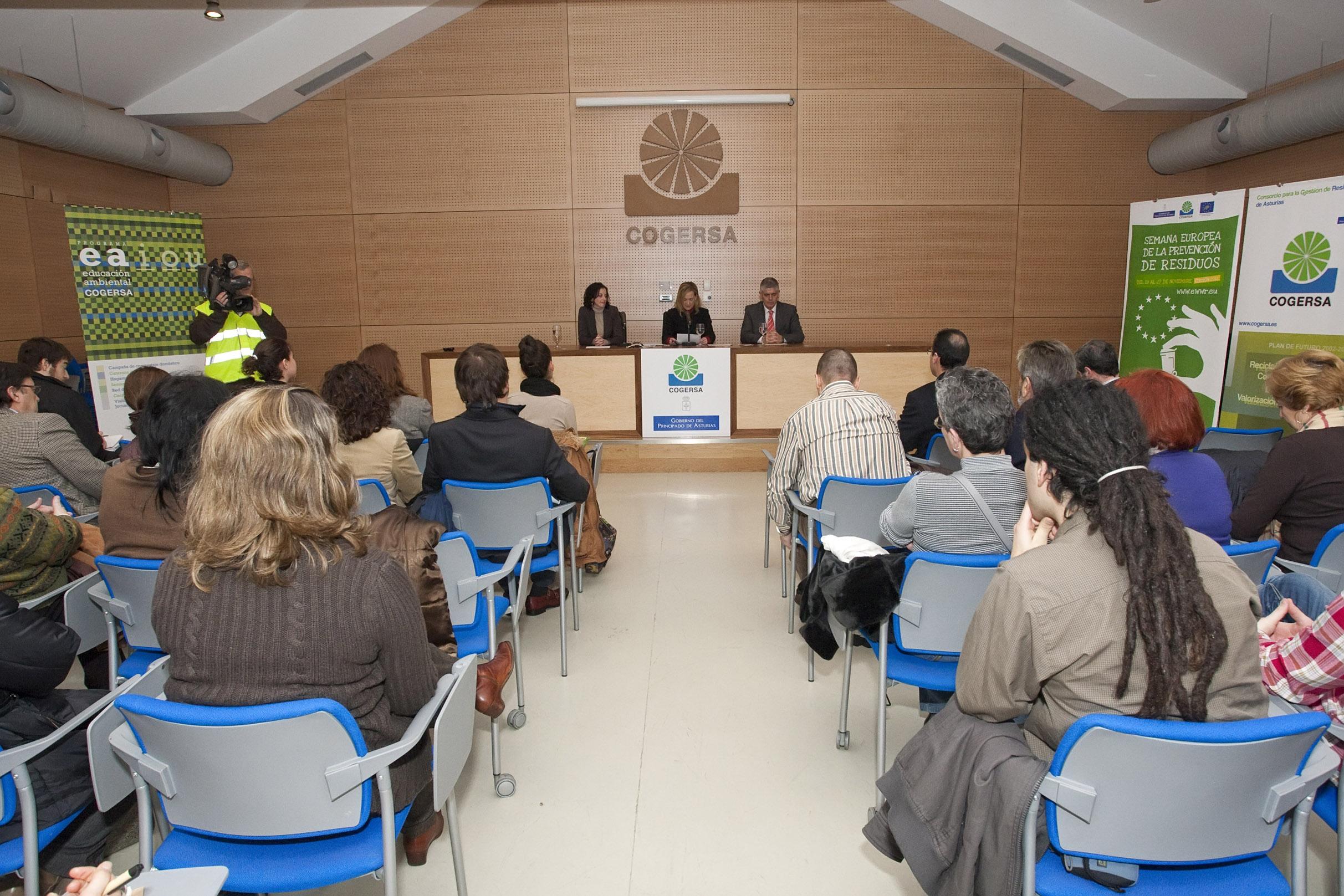 Foto de familia de los finalistas asturianos en los Premios de la Semana Europea de la Prevención de Residuos