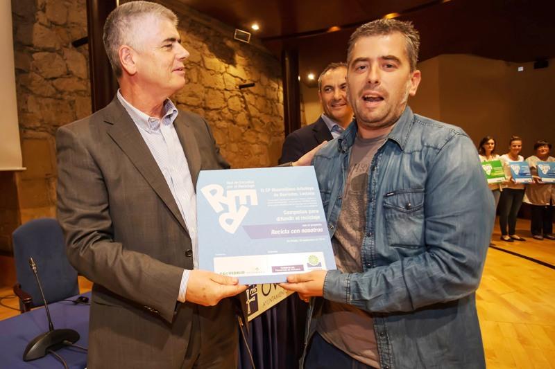 Entrega del premio al CP Maximiliano Arboleya