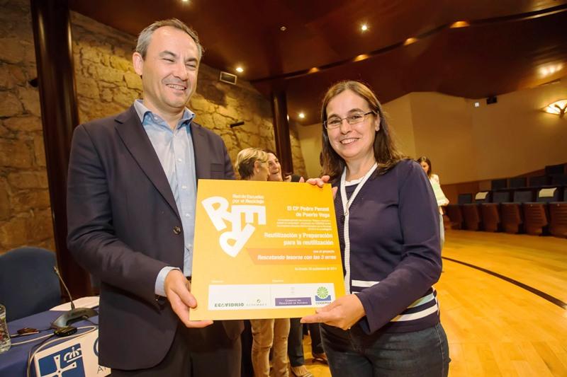 Entrega del premio al CP Pedro Penzol